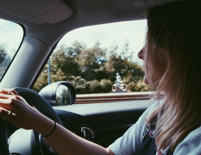 Qui peut conduire une voiture sans permis ?